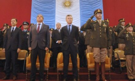 Macri devuelve poder a las Fuerzas Armadas
