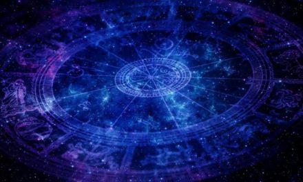 Qué es la astrología kármica