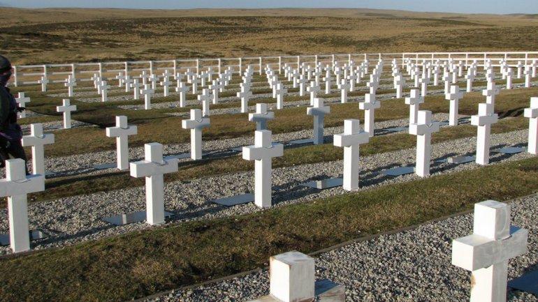 Colaboración para identificar caídos en Malvinas