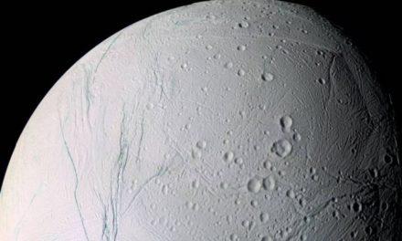 Saturno sorprende a la NASA