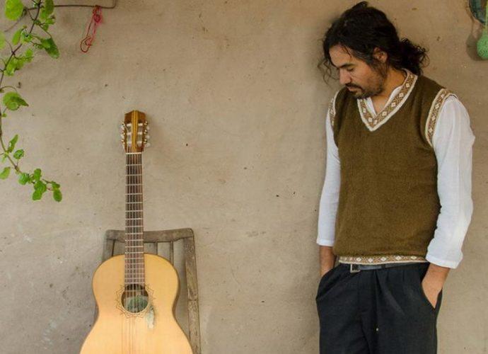José Luis Aguirre canta con el corazón