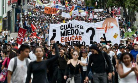 Estudiantes por educación digna, gratuita y de excelencia
