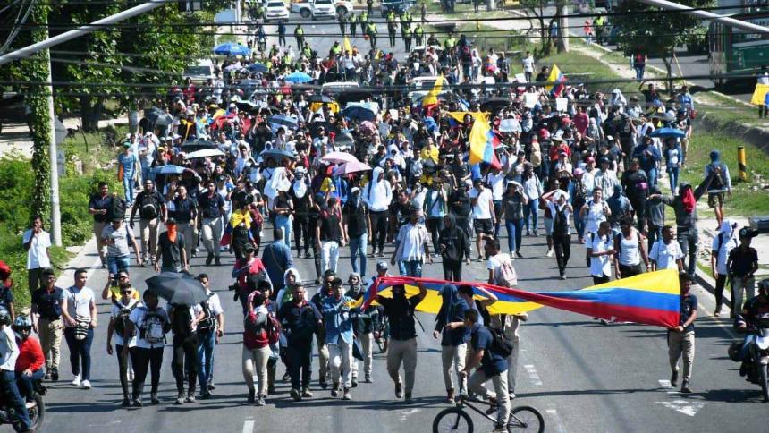 Colombia en pie de lucha