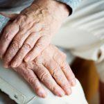 Solidaridad y contención para adultos mayores