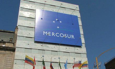 Argentina se aleja del Mercosur
