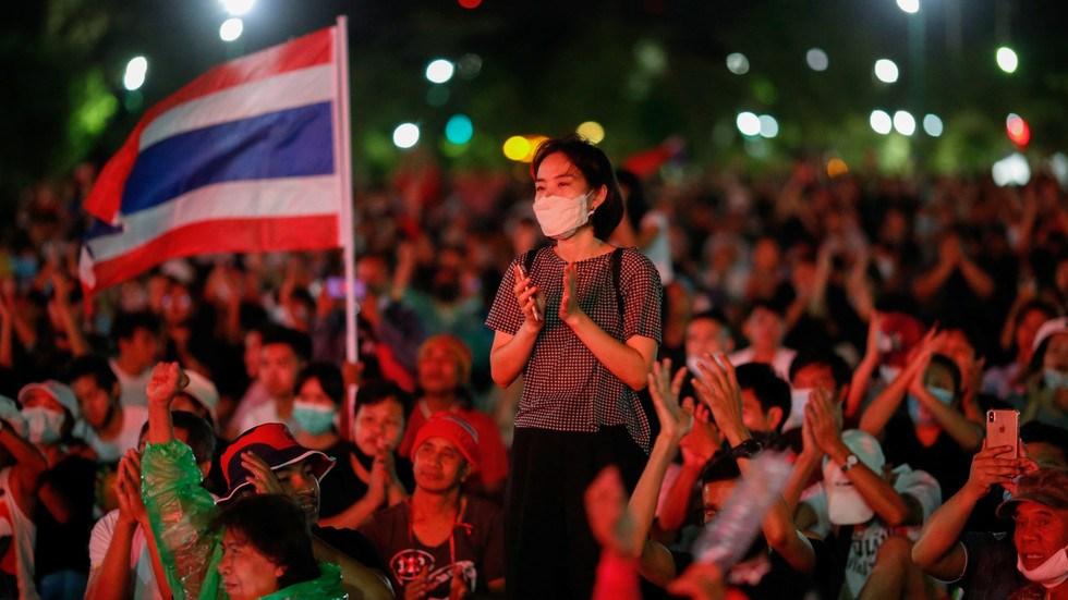 Tailandia contra el poder