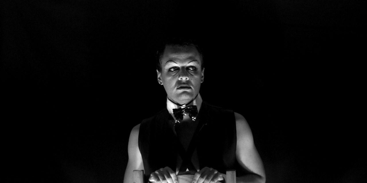 «Noche de ucronías» y audiovisual teatral