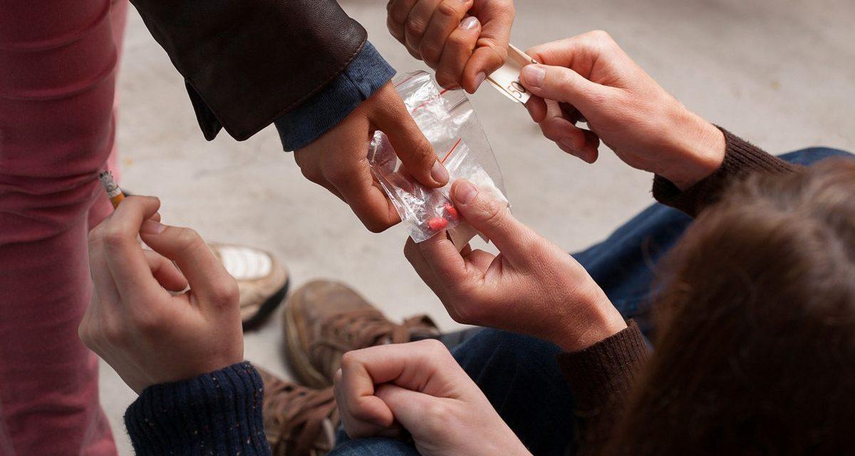 Adolescencia y drogas