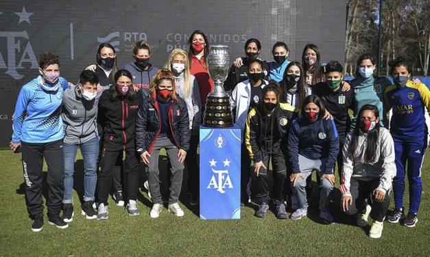 Presentación del fútbol femenino